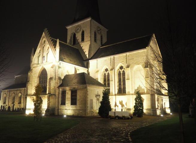 Verlichting kerk en Markt aangepast   Persinfo